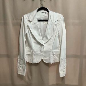 Ricki's cropped white 2 button front blazer